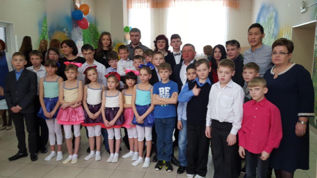 8 марта в детском доме №1
